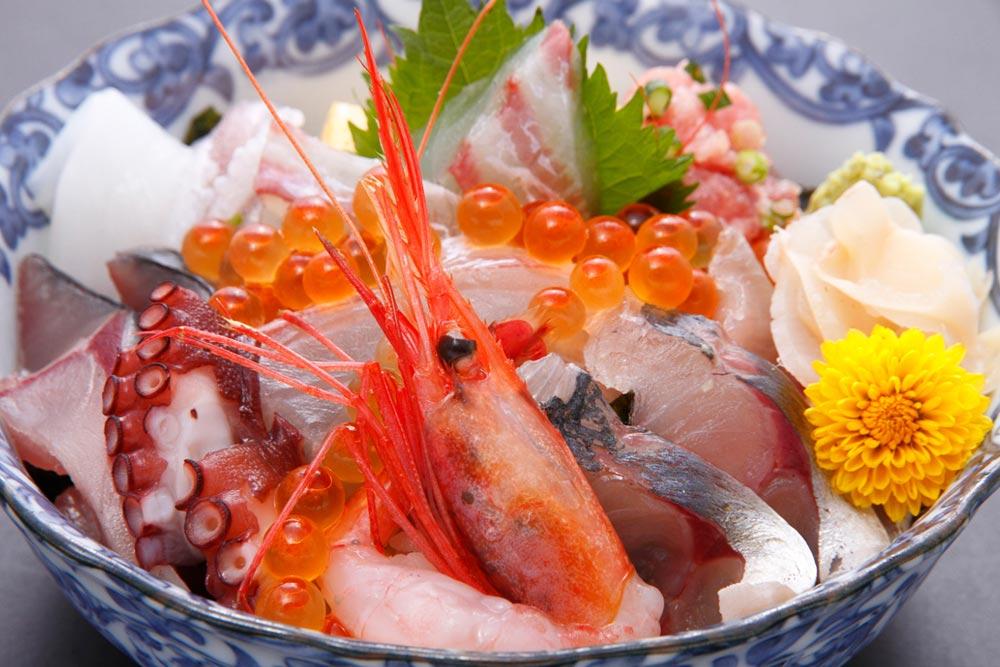 画像:新鮮な日本海の海の幸